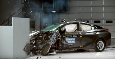 2016 Toyota Prius Earns Top Safety Pick+ from IIHS