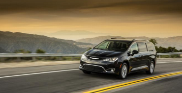 2017 Chrysler Pacifica Minivans on Their Way to Midwest Dealerships
