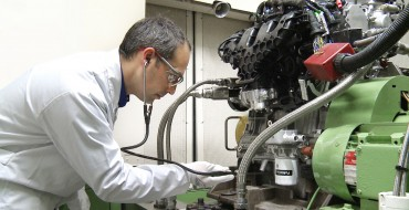 "Ford Valencia Plant Employs ""Engine Listeners"" for Powerplant Perfection"
