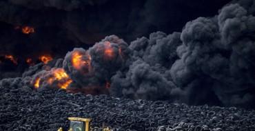 Massive Tire Fire Darkens Skies Over Madrid