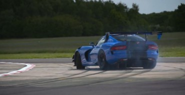 [VIDEO] Watch Chris Harris Fall in Love with Dodge Viper ACR