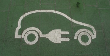 Congress Extends Tax Breaks for Electric-Car Owners, Motor Speedways