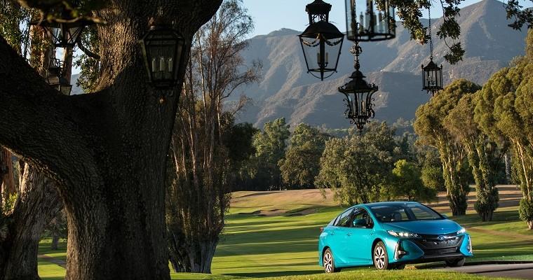 Toyota Prius Prime Named Electric/Hybrid Best Buy of 2017