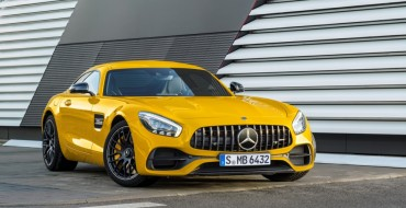 2018 Mercedes-AMG GT C Coupe Draws Admiration from Car Lovers at the 2017 NAIAS