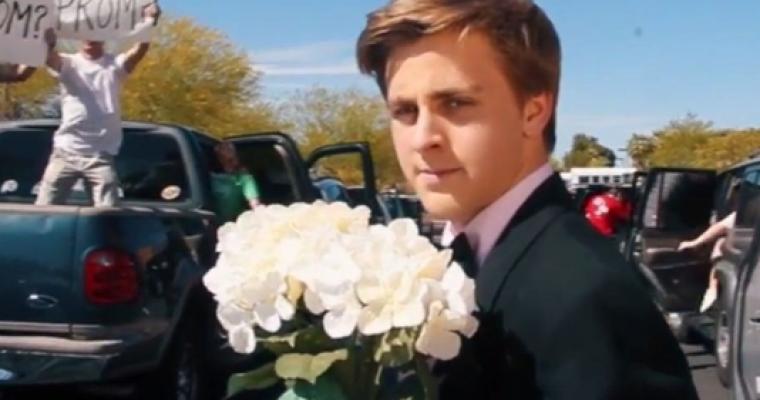 Teen Recreates 'La La Land' Opening Scene to Ask Emma Stone to Prom