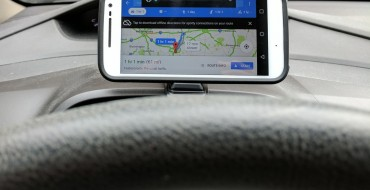 Pros and Cons of Cell Phone Car Mounts