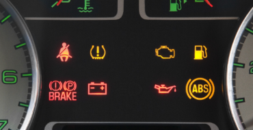[QUIZ] How Well Do You Know the Lights on Your Dashboard?