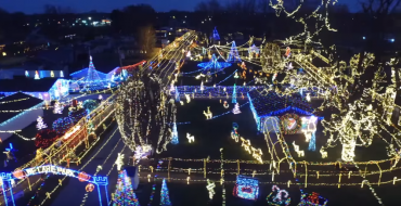 4 Drive-Thru Holiday Light Displays in Indiana