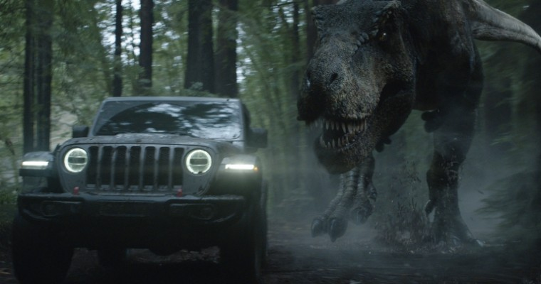 """Jeff Goldblum Turns the Tables on a T-Rex During Jeep's """"Jurassic Park"""" Super Bowl Commercial"""