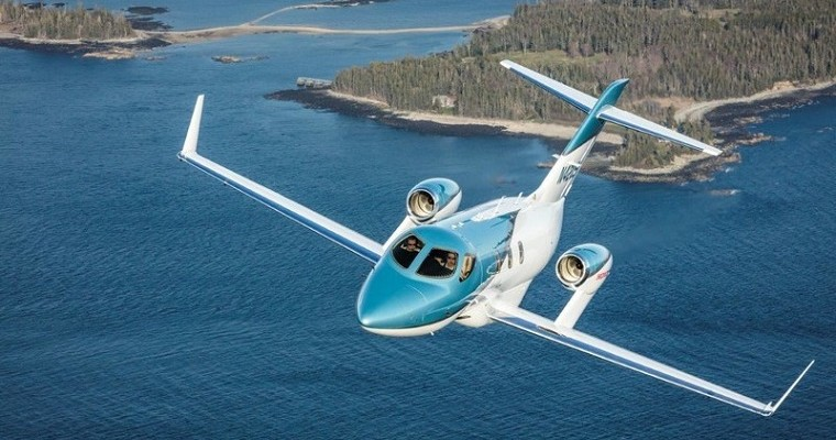 HondaJet Elite Has a Toilet With Seatbelts