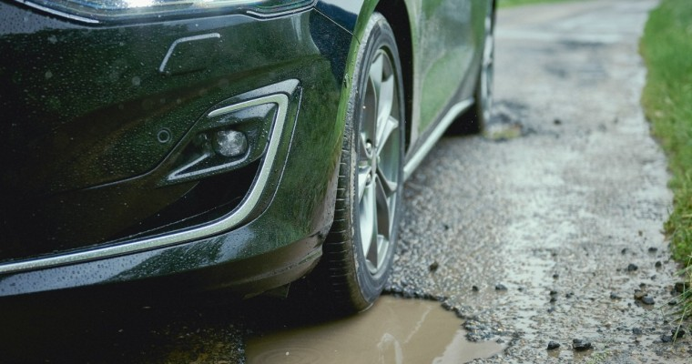 New Ford Focus to Offer Pothole Detection Technology