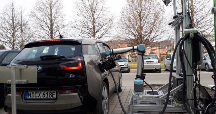 Researchers Build Robot Electric Car Charger That Doesn't Look Like a Giant Metal Centipede
