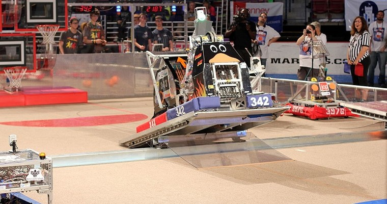 GM Engineer Starts Robotics Team to Stoke Girls' Passion for STEM