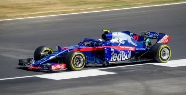 Honda Qualifying Form 'Worrying' For Renault, Sainz Says