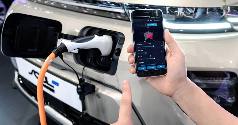 New Hyundai Tech Lets Smartphone App Customize EV Performance