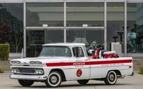 Honda Renovates a Chevrolet Pickup Truck