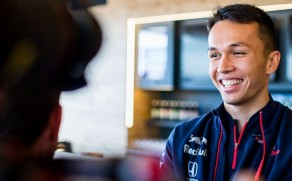 Alexander Albon Replaces Pierre Gasly at Red Bull Racing