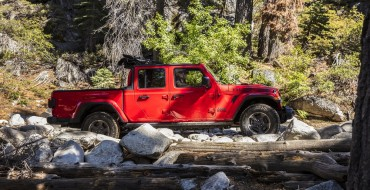 Jeep Gladiator Rubicon Earns '2020 Pickup Truck of the Year'