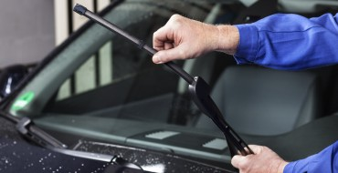 When Not to Leave Windshield Wipers Up During Winter