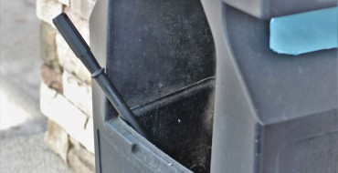 Is It OK to Use a Gas Station Squeegee on My Car's Windshield?