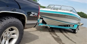 How to Hook Up a Trailer to Your Vehicle