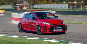 Toyota GR Yaris Takes On Civic Type R in Drag Race