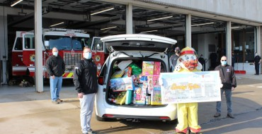 FCA Canada Fills Minivan with Presents for Local Toy Drive