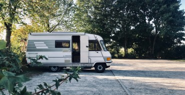 Should You Buy a Travel Trailer or Motorhome?