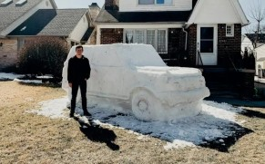 Ford Employee Built a Bronco Sculpture Out of Snow