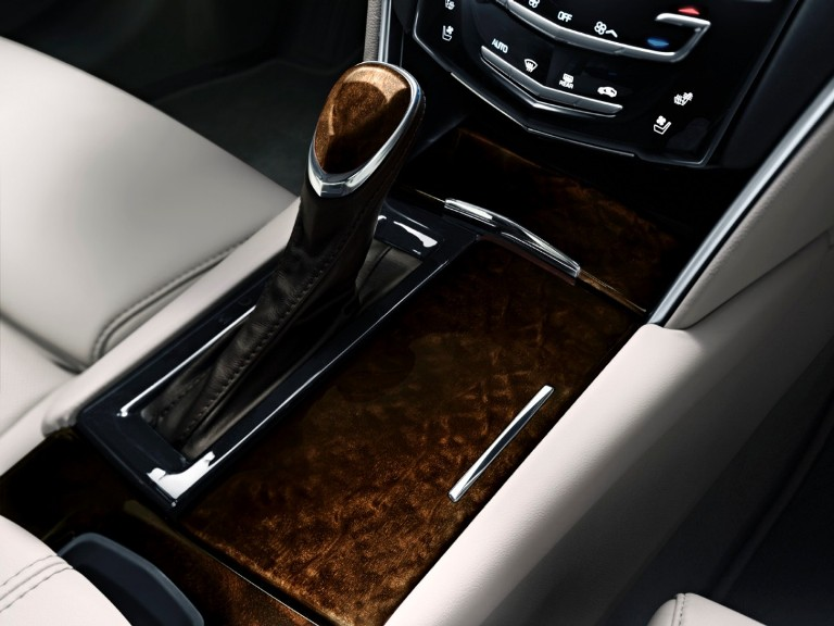 Cadillac XTS Offers Wide Variety of Wood Trim
