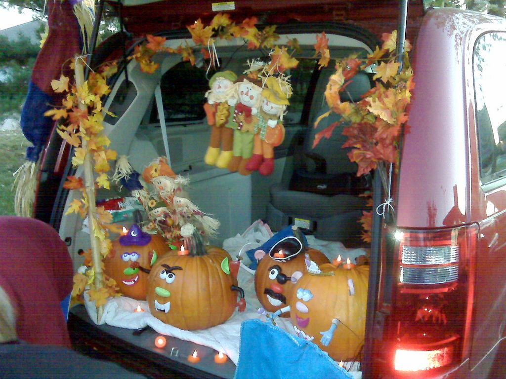 trunk or treat pumpkins