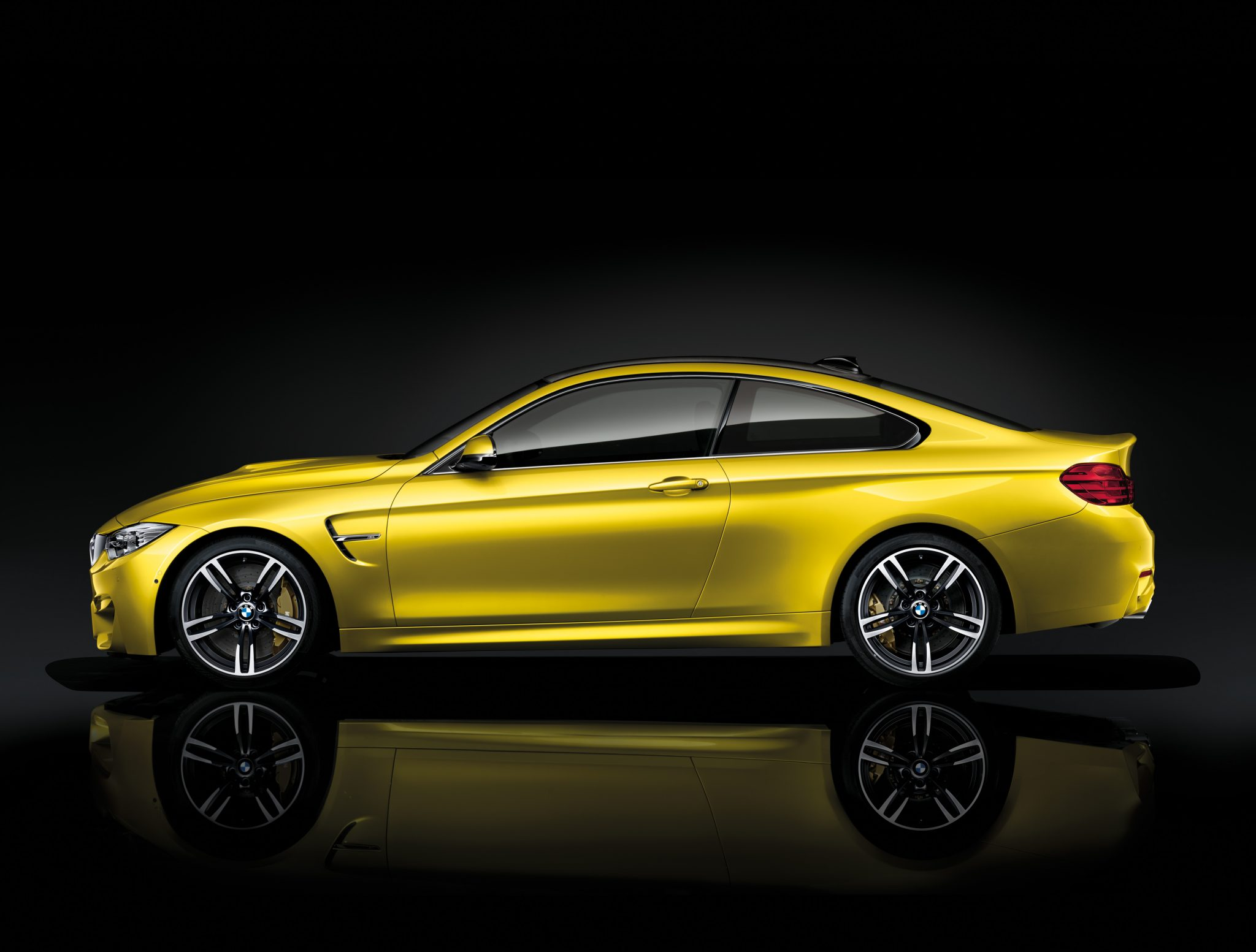BMW M4 Coupe >> BMW M4 Coupe Showcase Driver Side View | The News Wheel