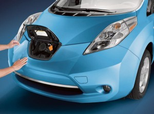 Nissan LEAF Owner Reaches 100,000 Miles