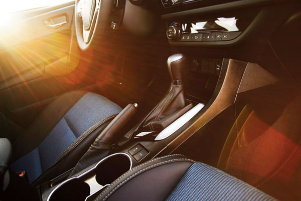 2014 Toyota Corolla Overview : Interior