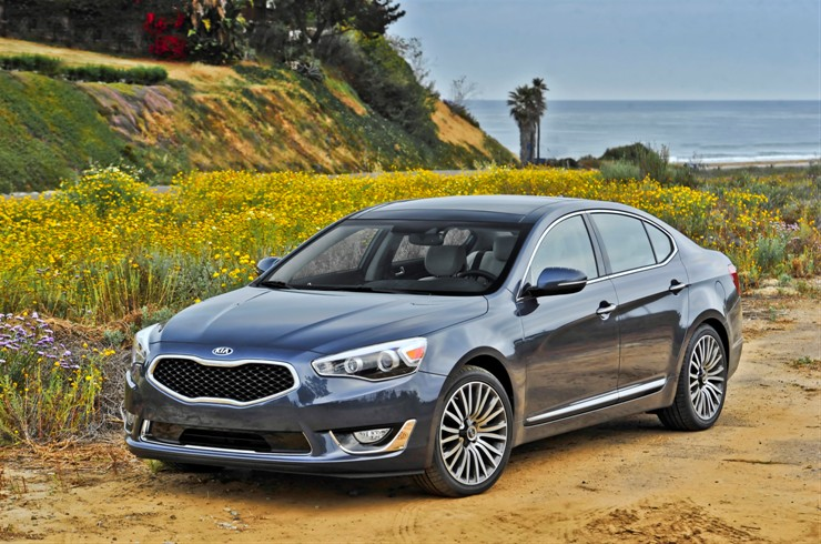 Road Amp Travel Names Cadenza International Car Of The Year