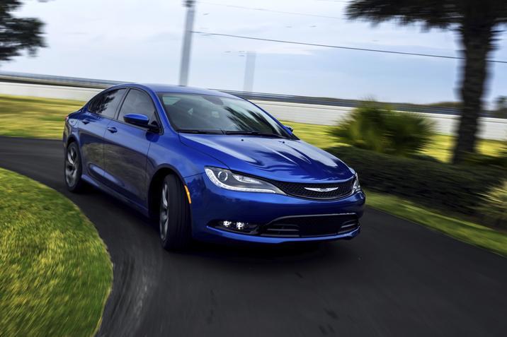 2015 Chrysler 200 orders