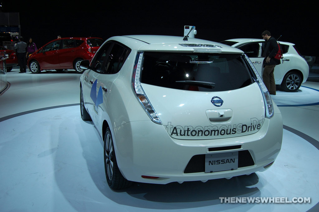 Nissan NAIAS display: Autonomous Drive LEAF