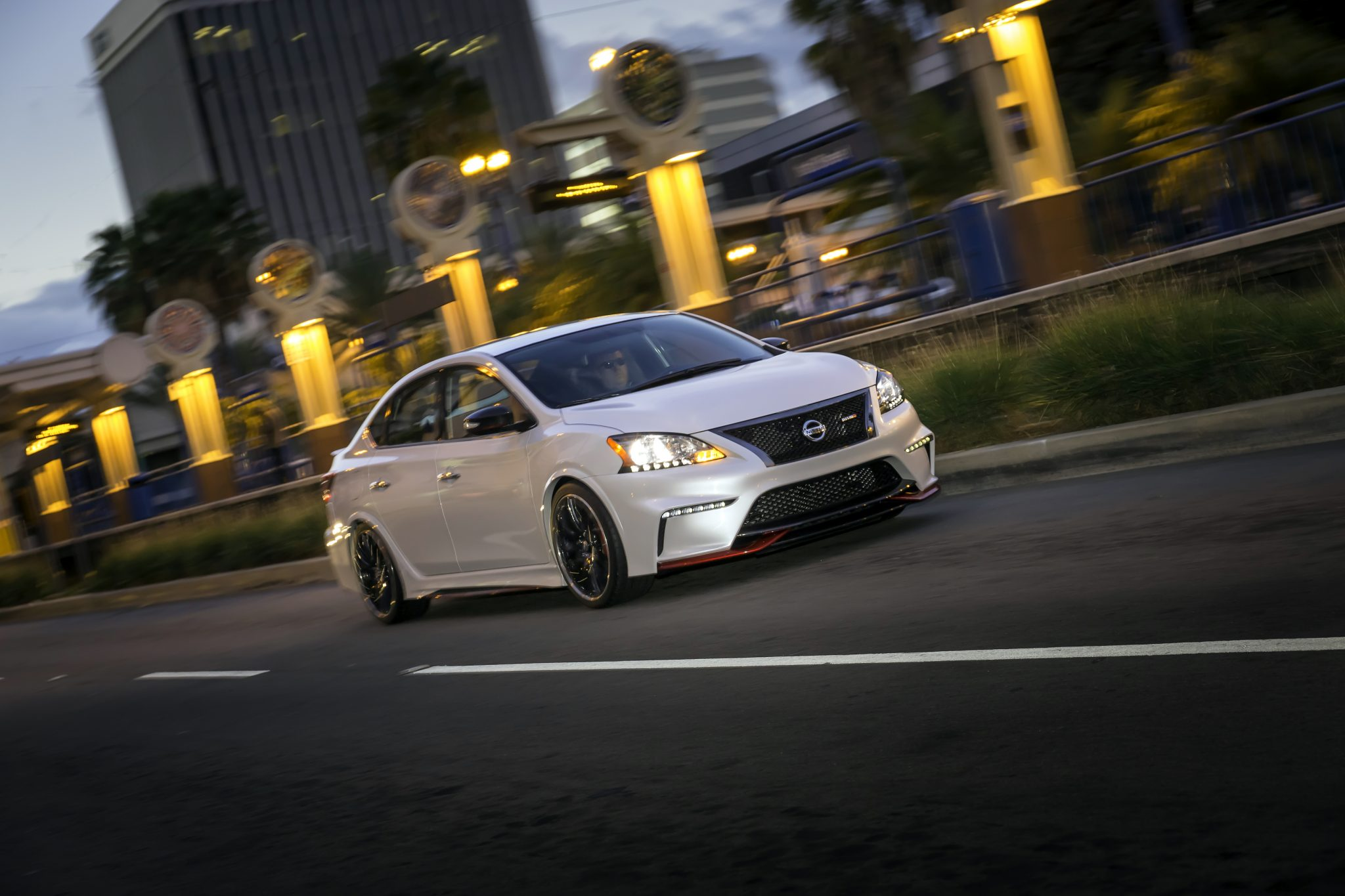 nissan sentra nismo concept bows at detroit auto show the news wheel. Black Bedroom Furniture Sets. Home Design Ideas
