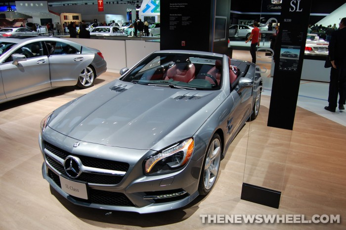 Mercedes-Benz NAIAS display: SL550