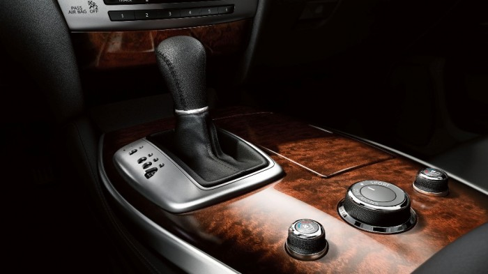 2014 Infiniti QX60 Hybrid shift