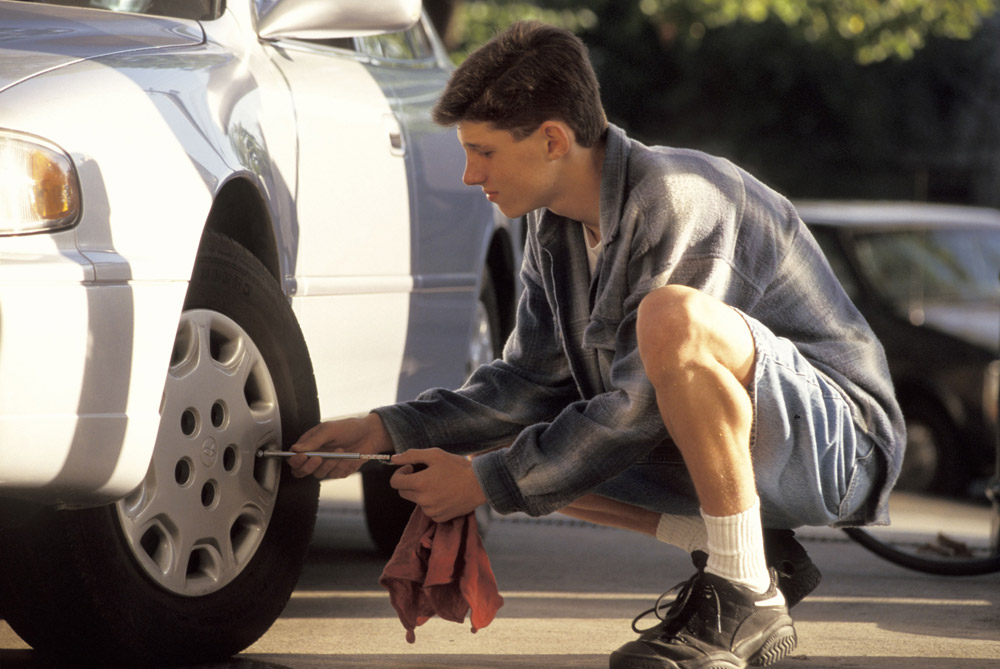How to check your tires