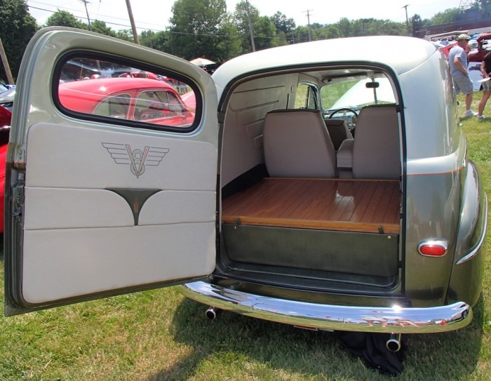 1947 Ford Sedan Delivery Hatch