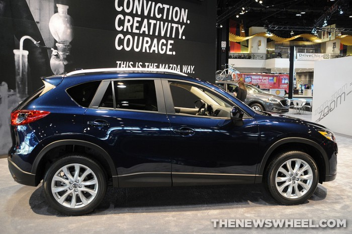 2014 Maxda CX-5 side