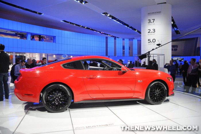 2015 Ford Mustang dealer order banks
