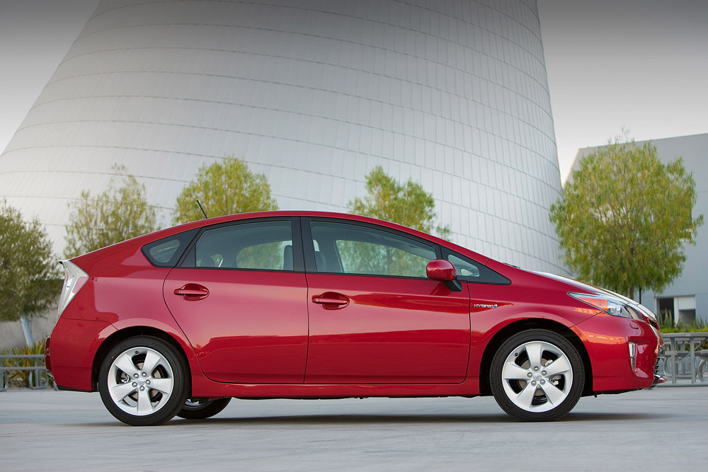 Kelley Blue Book Calls 2017 Toyota Prius One Of 10 Best Green Cars For