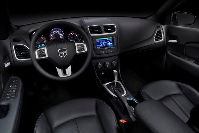 2014 dodge avenger interior