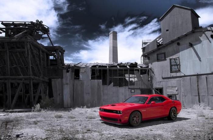 2014 Hispanic Motor Press Awards Recognize 200C, Challenger SRT Hellcat