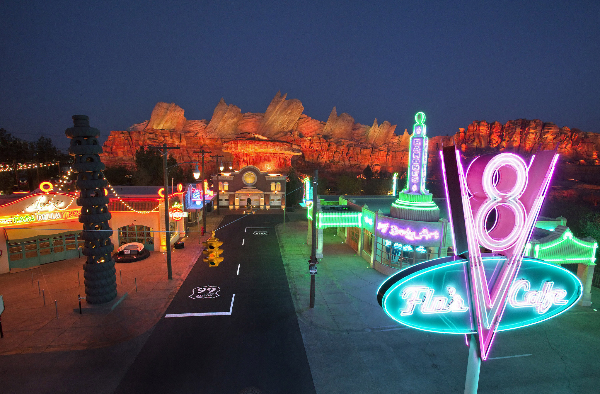 Cars Land Tips Expert Advice For A Day In Disney S Cars Land The News Wheel