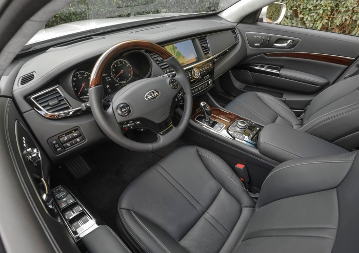 2015 K900 black interior
