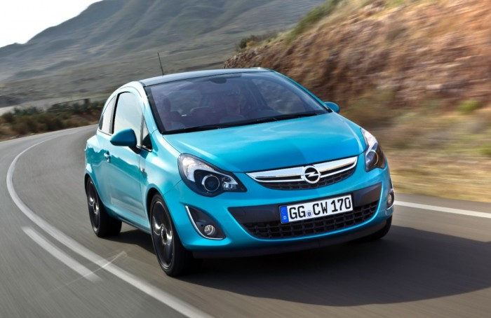 Columbia vs. Greece: Opel Corsa